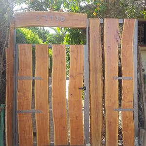 שערי ברזל / עץ מעוצבים